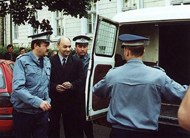 Людина яка переламала систему в Румунії та поборола корупцію - фото 9