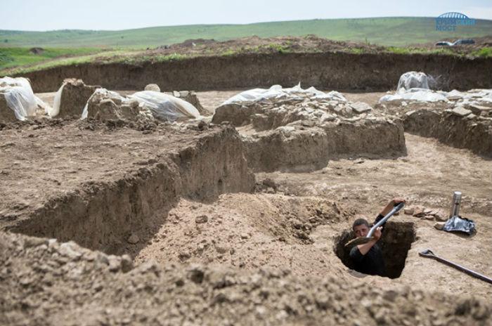 На місці будівництва моста в Криму знайшли скарб - фото 3