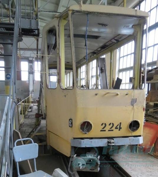Автори тюнінгу Бентлі та Ферарі проектували вінницький трамвай  - фото 2