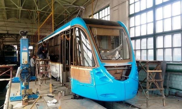 Автори тюнінгу Бентлі та Ферарі проектували вінницький трамвай  - фото 6