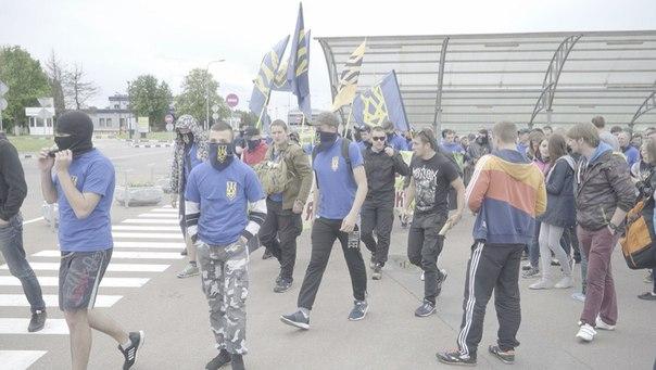 """""""Азовці"""" влаштували фаєр-марш у """"Борисполі"""" та """"Жулянах"""" - фото 2"""