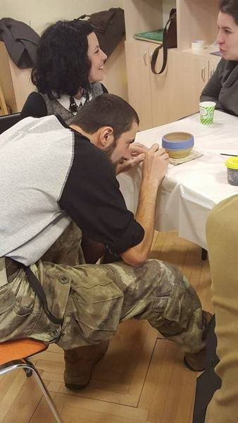 Атовці продають свої вироби, щоб допомогти пораненим побратимам - фото 6