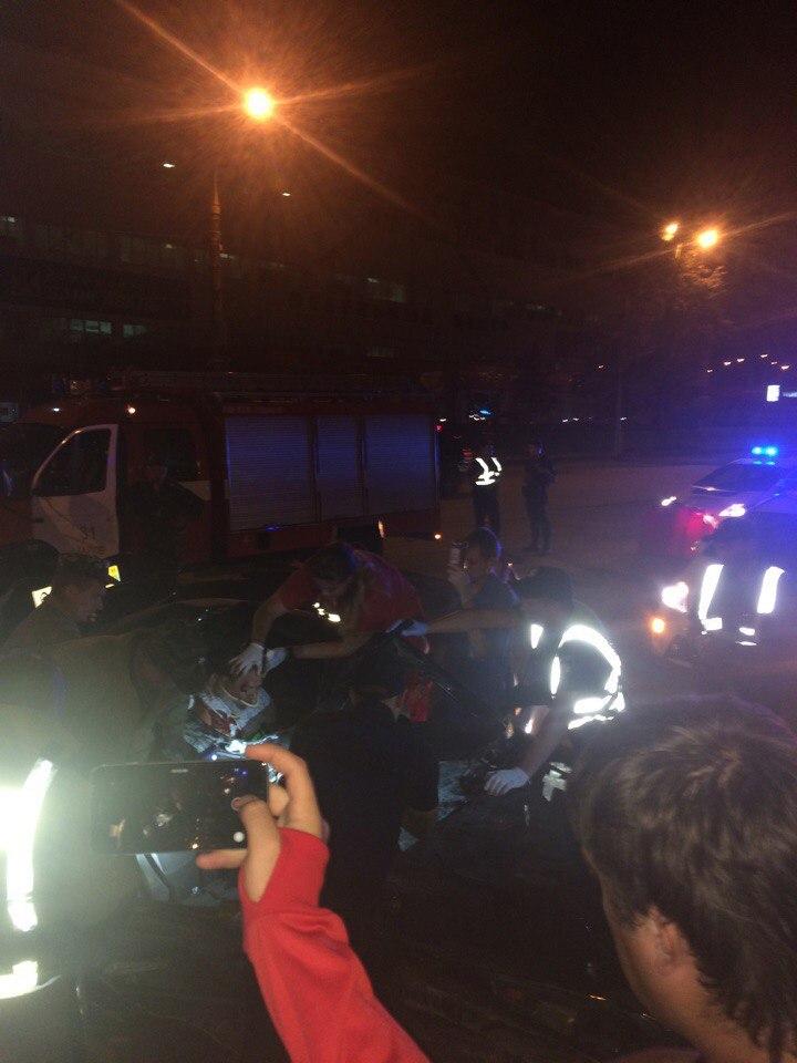 """Подробиці смертельної ДТП у Харкові: водій """"БМВ"""" перевищив швидкість та намагався втекти від поліції - фото 1"""