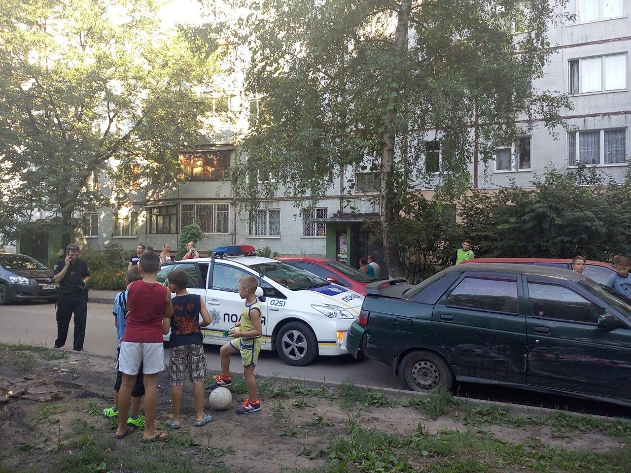 На Салтівці автомобіль-порушник намагався втекти від копів - фото 1