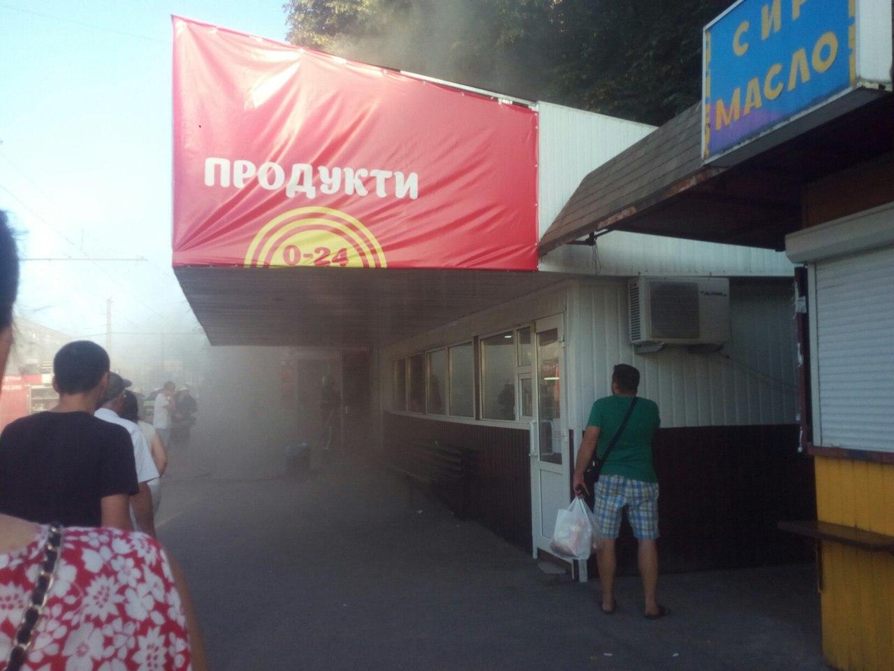 Як у Вінниці палав магазин з ноутбуками - фото 3