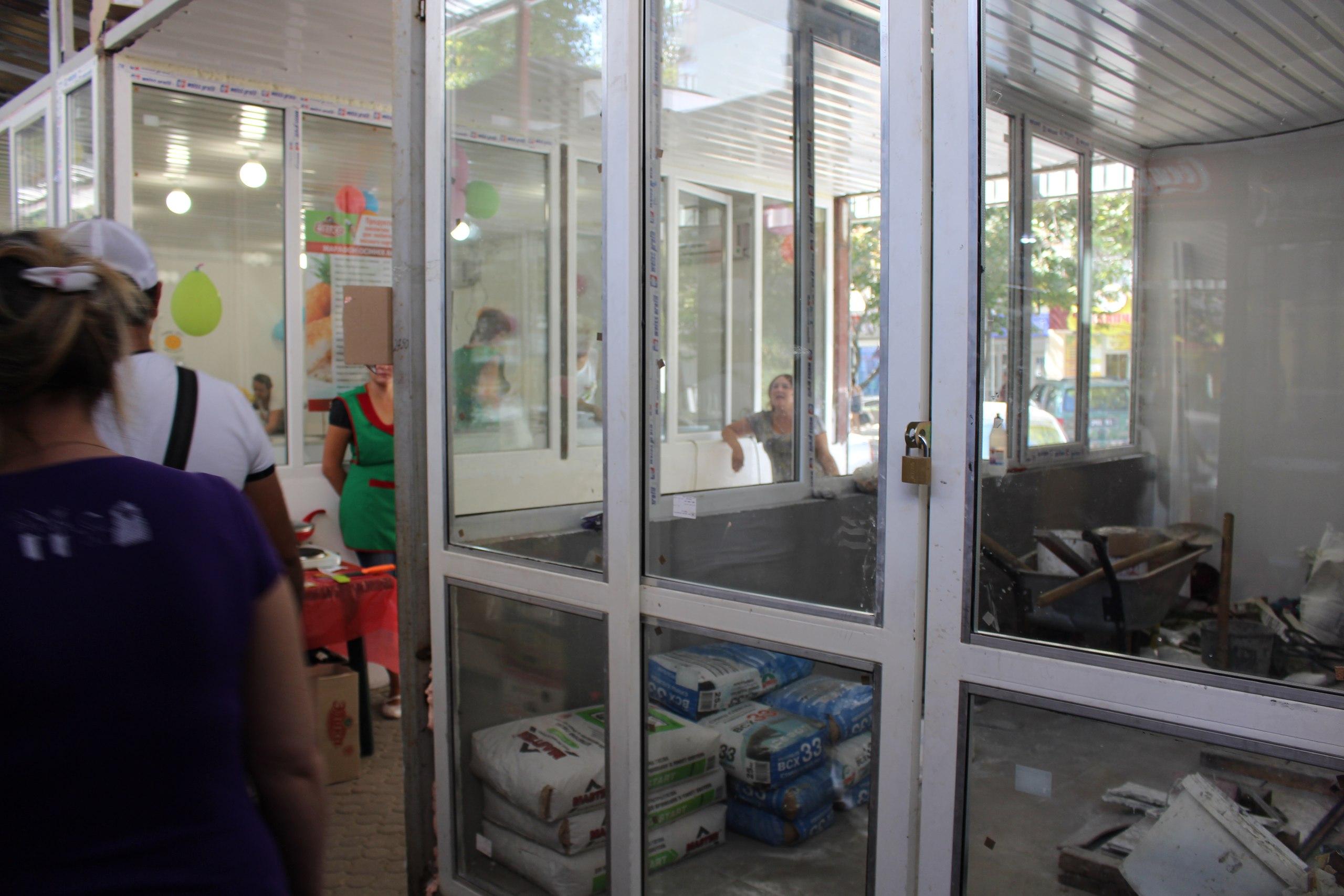 """У Миколаєві підриємців ринку """"Юліана"""" погрожують вигнати та погрожують розправою"""