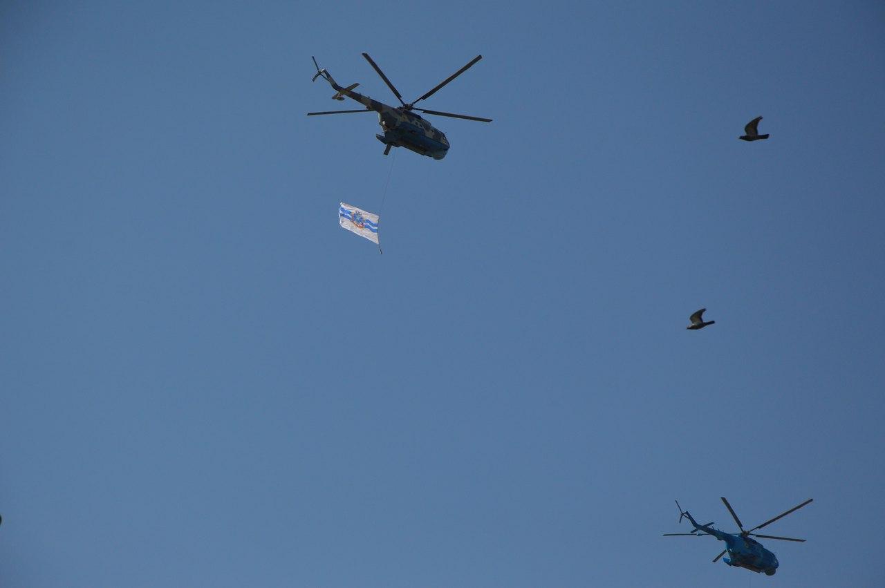 В небо над Миколаєвом здійнялись гвинтокрили-прапороносці - фото 1