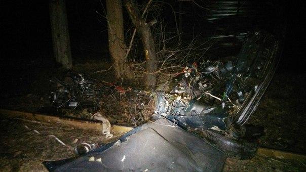 Шокуюча ДТП у Харкові: машину та водія розірвало на частини (ВІДЕО 18+) - фото 1