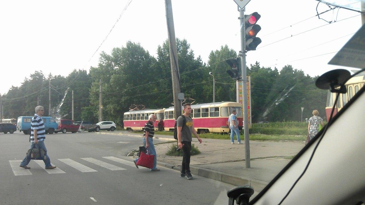 На Салтівці злетів із рейок трамвай - фото 2