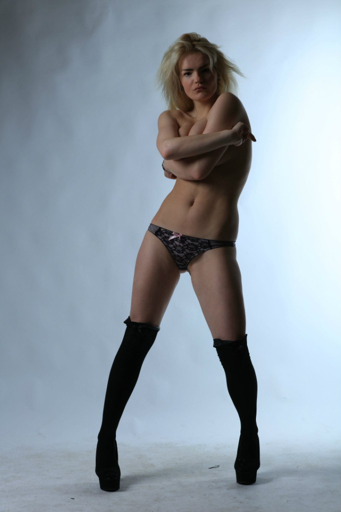Вбита сестрою російська модель мріяла про кар'єру у порно (ФОТО 18+) - фото 6