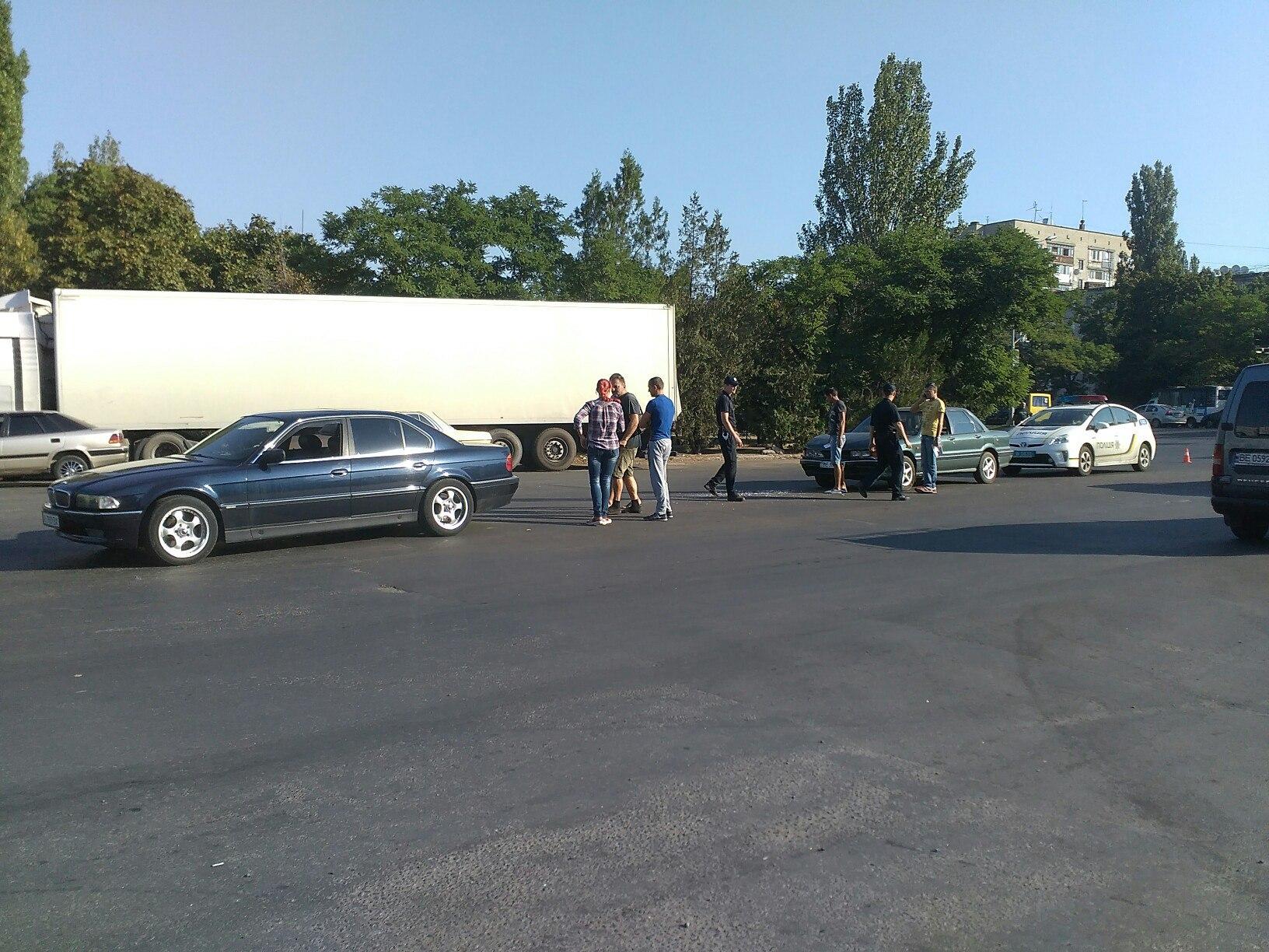 У Миколаєві Mitsubishi влетів у ВМВ - фото 2