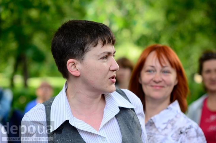Савченко прийшла на останній дзвоник до рідної школа - фото 6