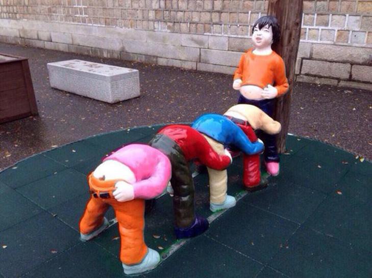 30 дитячих майданчиків, від яких стає моторошно - фото 10