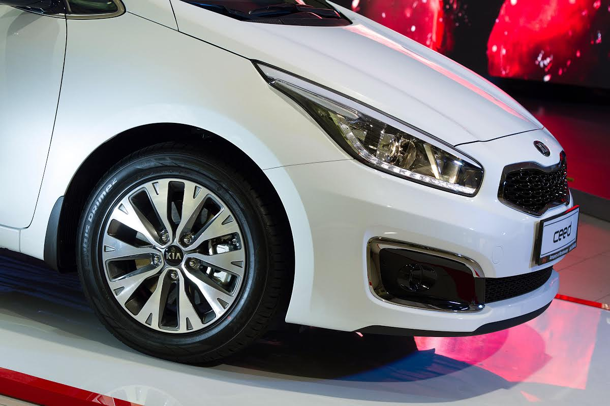 В Україні розпочинаються продажі оновленого Kia cee'd - фото 3
