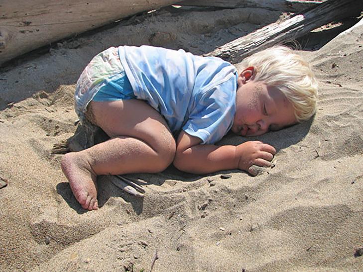 35 кумедних доказів того, що діти можуть заснути де завгодно - фото 19