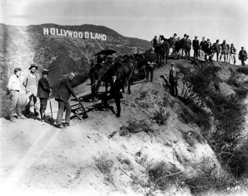 Шалені гроші і доленосні історії: Як змінювалась вивіска Hollywood впродовж століття - фото 1