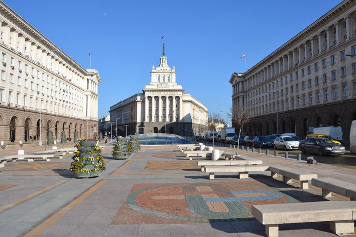 """Українка в Болгарії про плитку, що плюється, """"священу корову Росію"""" і підступну мову - фото 7"""