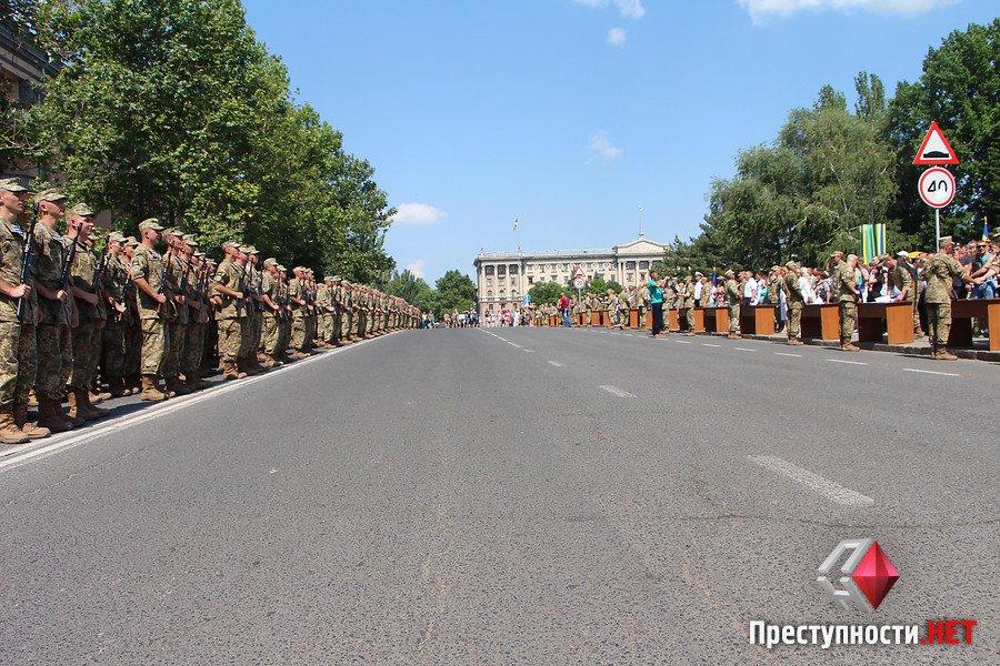 У Миколаєві прийняли присягу 600 строковиків - фото 1
