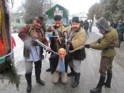 """Як на Буковині """"бендерівці"""" страчували Путіна - фото 3"""