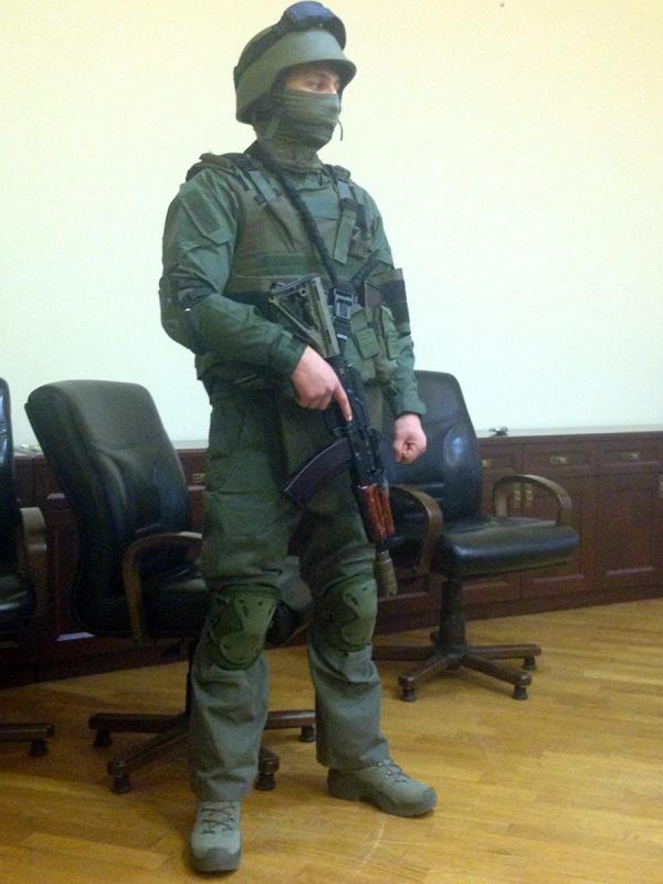 """Ситник показав спорядження """"спецназівців"""" НАБУ - фото 1"""