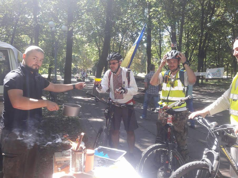 Вінничани у вишиванках влаштували патріотичнний велопрообіг - фото 6