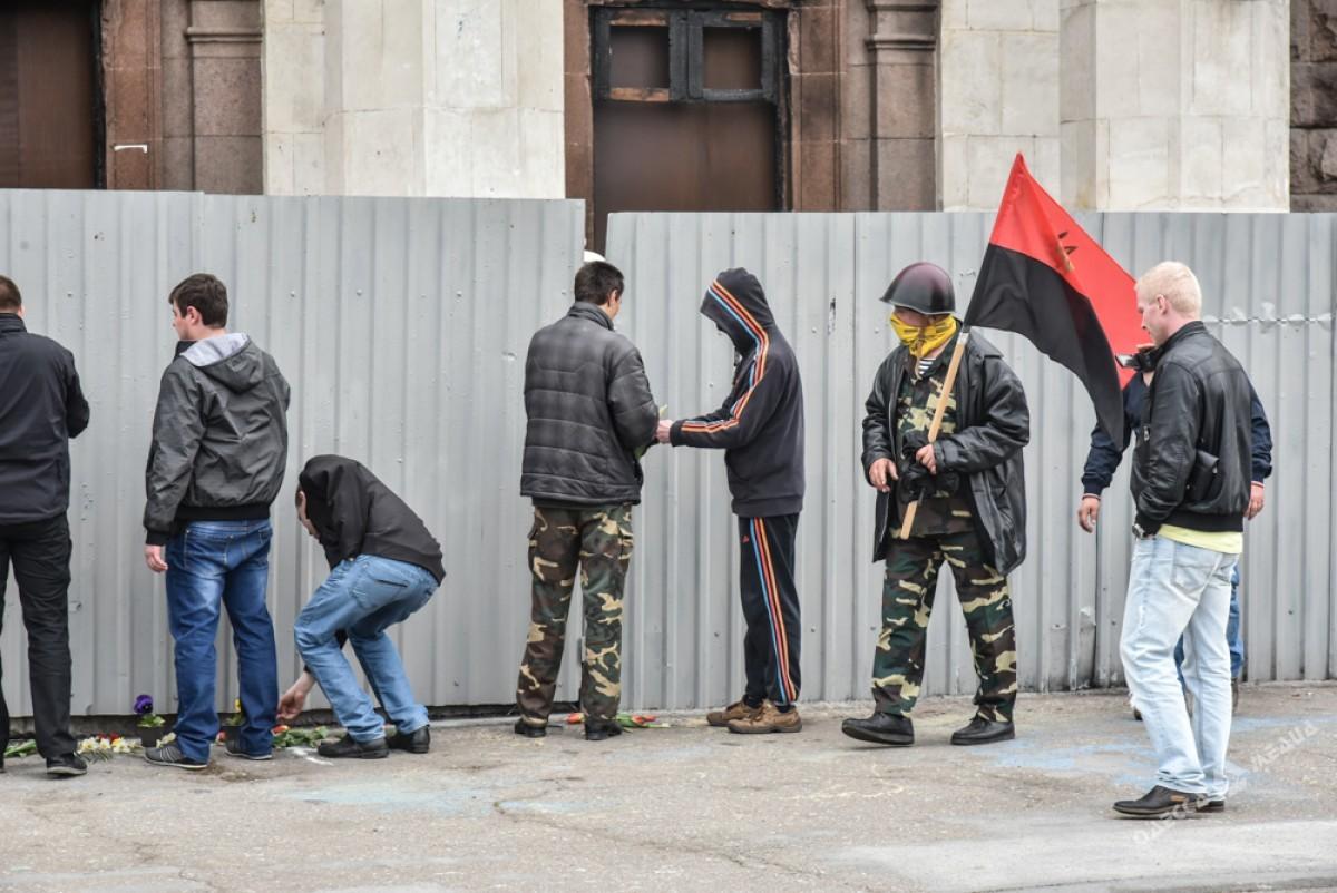 """Одеські патріоти спалити """"колорадські"""" стрічки - фото 1"""
