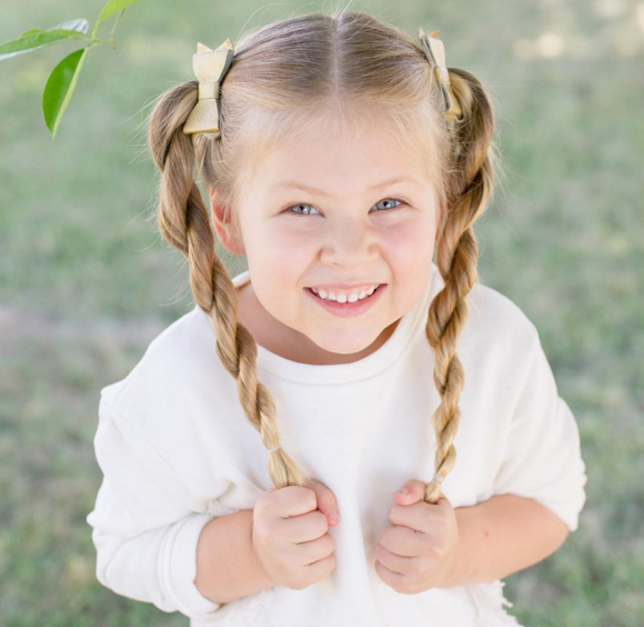 П'ятирічна дівчинка вразила перукарським талантом - фото 1