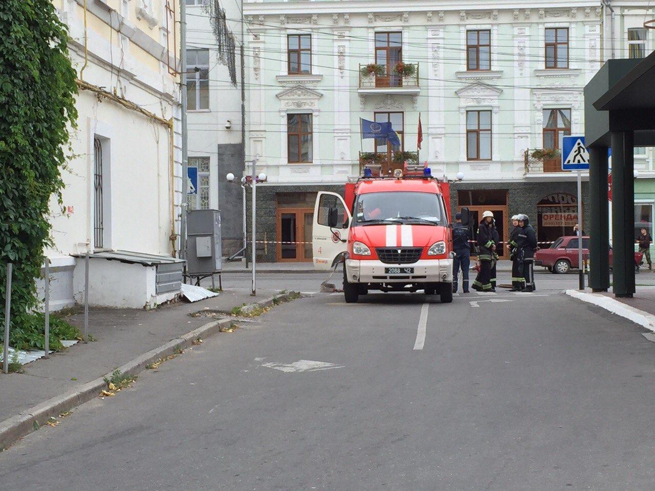 В готелі у центрі Вінниці шукають вибухівку - фото 7