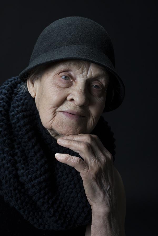 Як киянка у 91 рік відчуває себе красивою та позує ню (18+) - фото 3