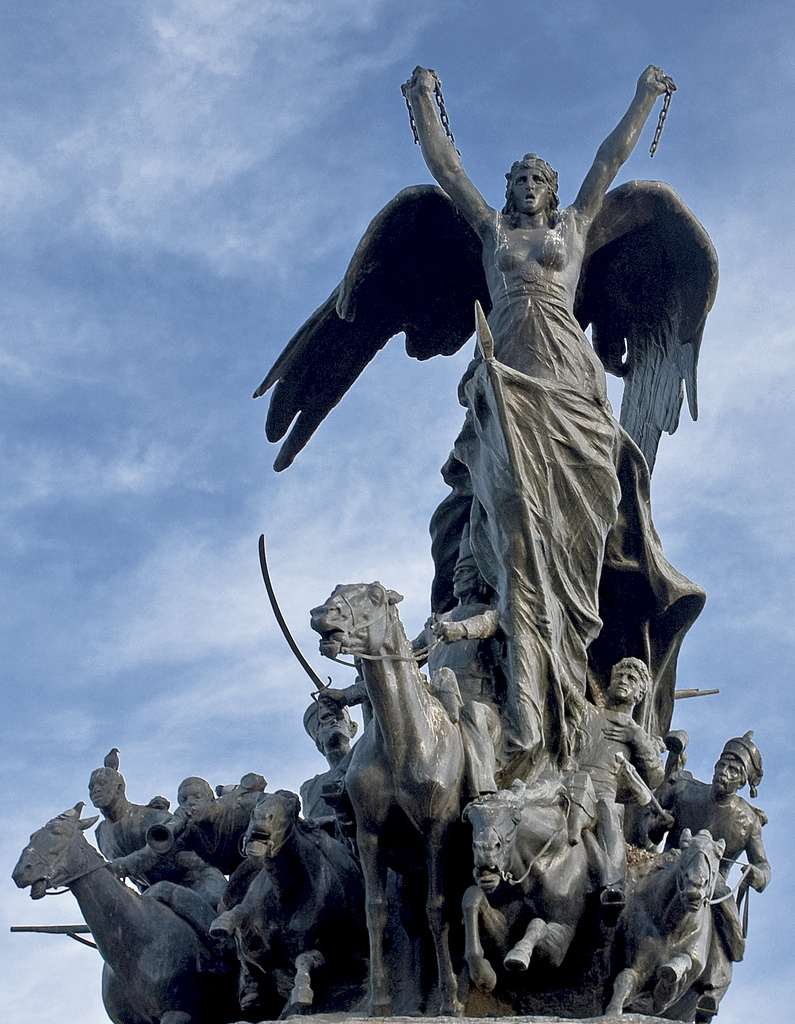 ТОП-7 сестер Статуї Свободи - фото 4