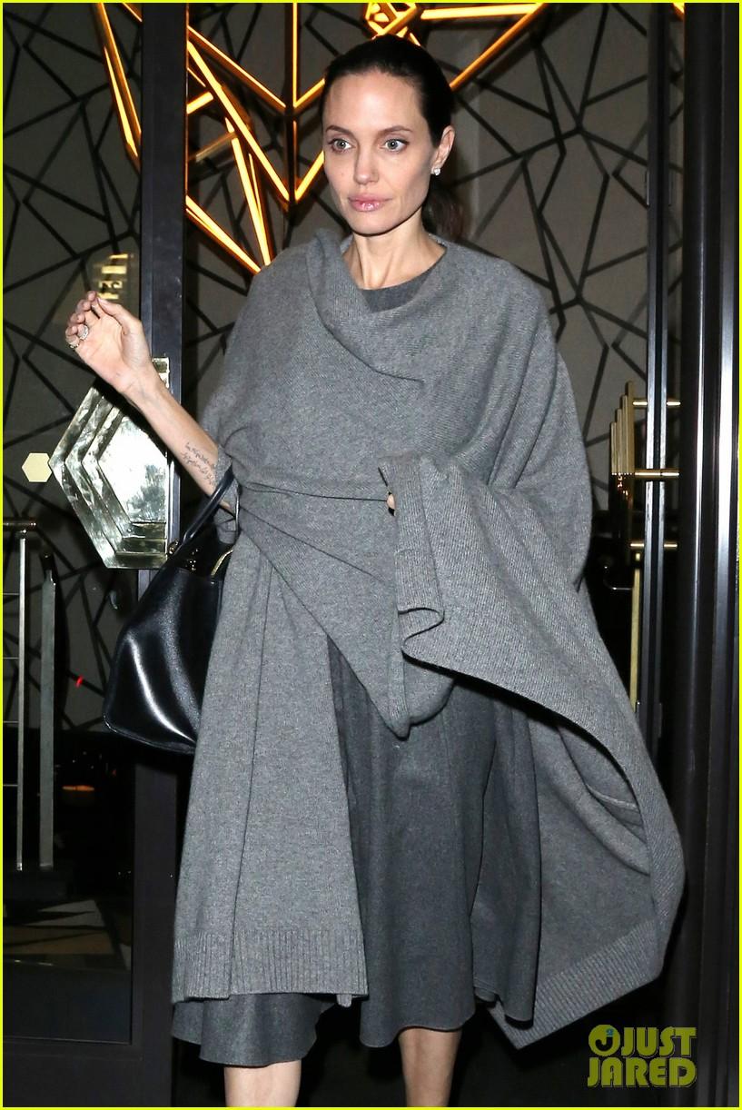 Як виглядає виснажена Анджеліна Джолі після госпіталізації  - фото 2
