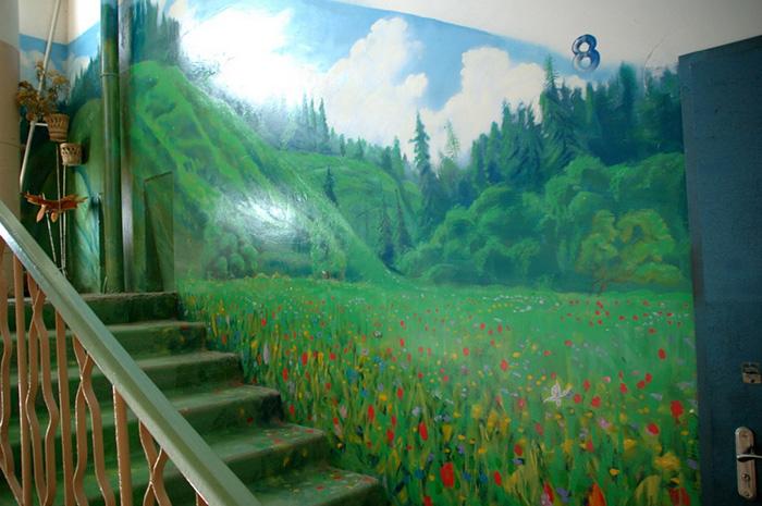 Як на Росії художник-самородок розмальовує під'їзди мальовничими краєвидами   - фото 9