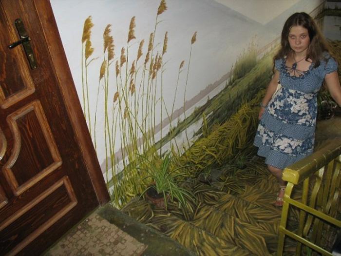 Як на Росії художник-самородок розмальовує під'їзди мальовничими краєвидами   - фото 1
