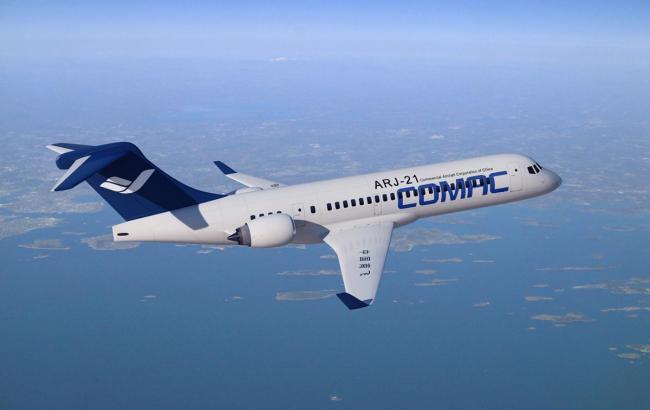 Китайці показали cвій перший пасажирський літак