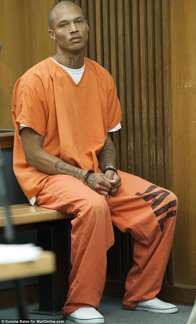 З тюрми у моделі: що відомо про найгарнішого злочинця у світі - фото 1