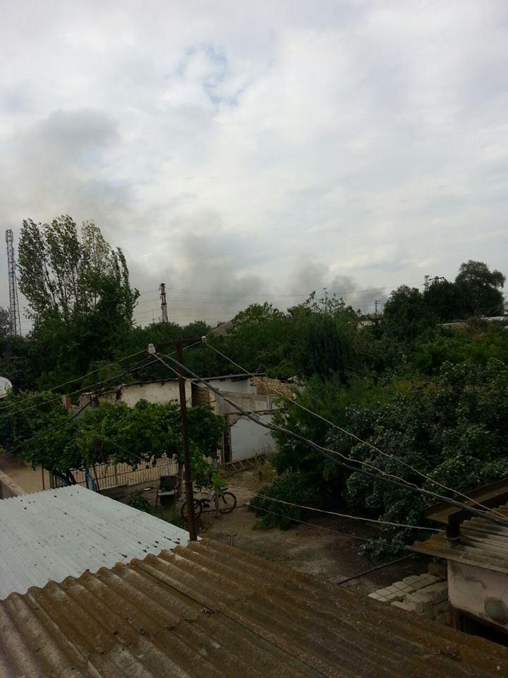 Очевидці показали, як палає збройний завод в Азербайджані (ВІДЕО) - фото 2