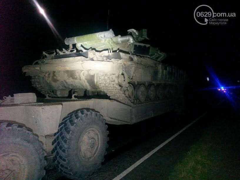 Під Маріуполем сталася смертельна ДТП за участю військової техніки - фото 1