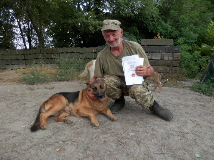 Чим займаються на Донбасі найкращі друзі бійців АТО - 6 - фото 10