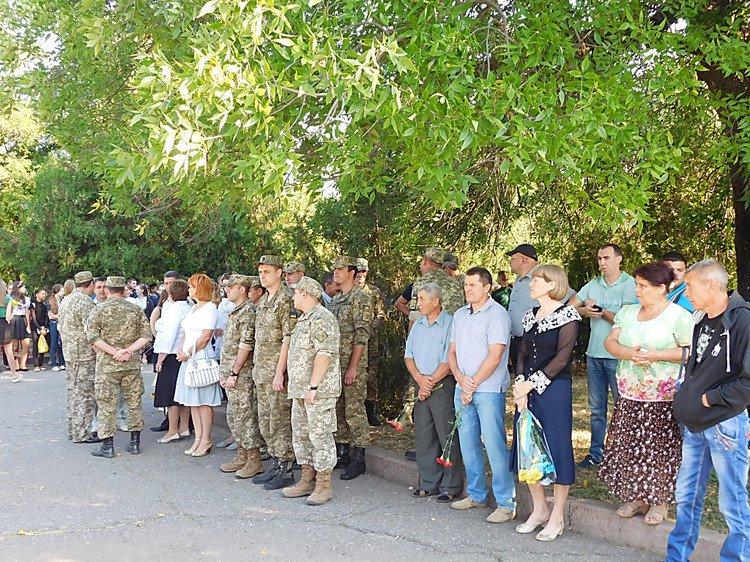На Миколаївщині з'явився ще один  пам'ятний знак Героям Небесної Сотні - фото 3