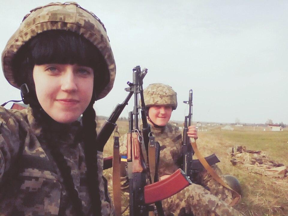 Краса рятує Україну: ТОП-11 красунь-бійців АТО - фото 9