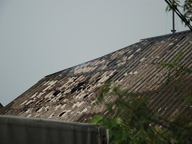 У Миколаєві блискавка підпалила будинок