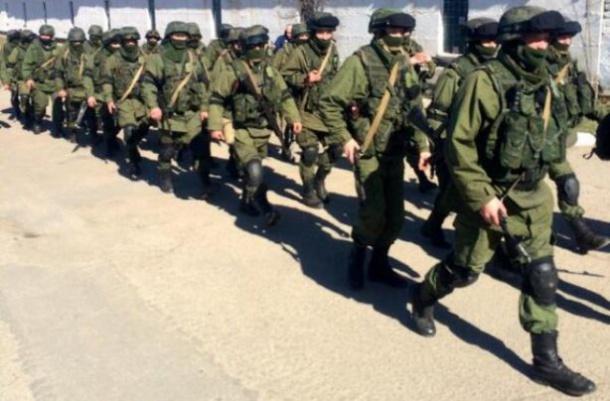 Хроніки окупації Криму: козаки побили чесну бабцю, а російські десантники вперше заблукали - фото 3