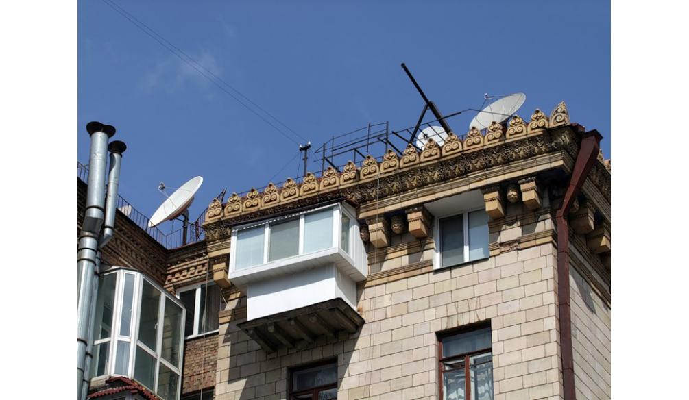 ТОП-20 балконів, володарі яких плювали на оточуючих - фото 7