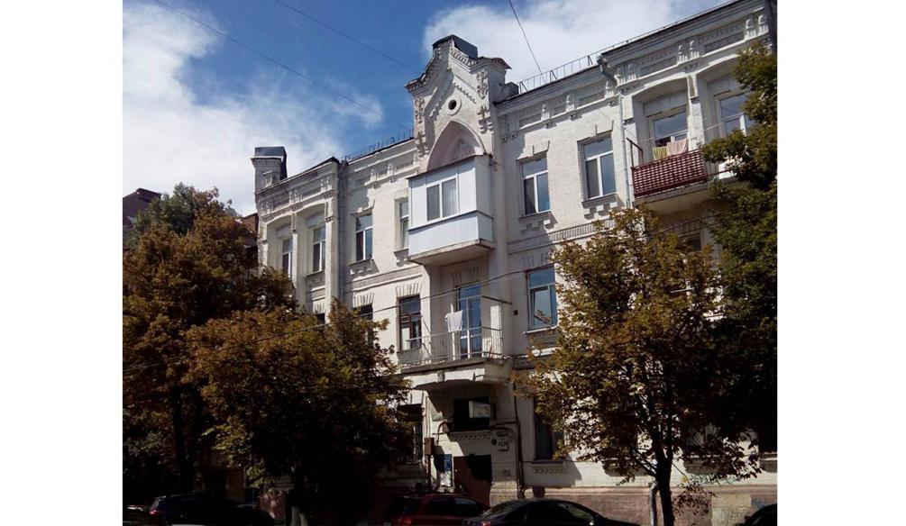 ТОП-20 балконів, володарі яких плювали на оточуючих - фото 9