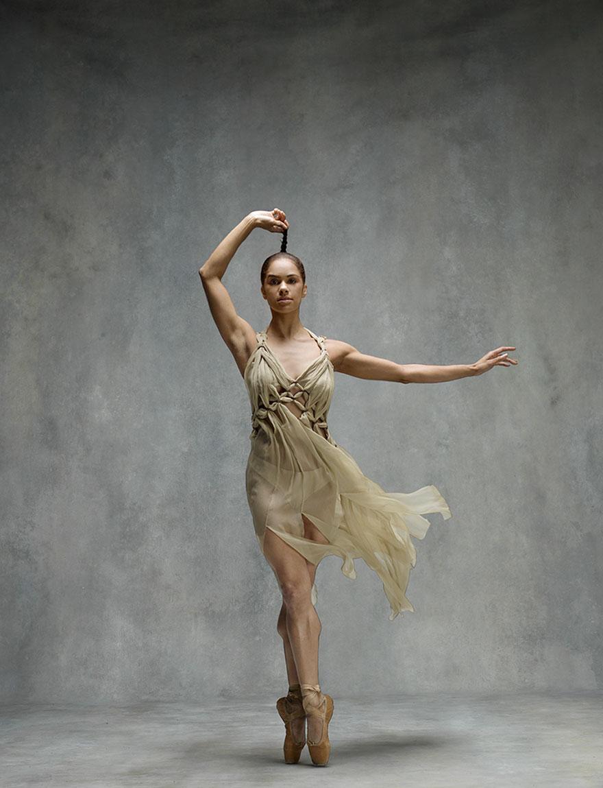 """Як неймовірно гарна балерина """"оживила"""" картини відомого імпресіоніста  - фото 5"""