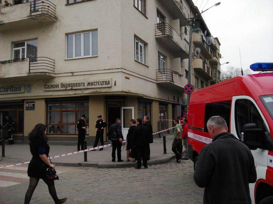 В центрі Івано-Франківська прогримів вибух - фото 3