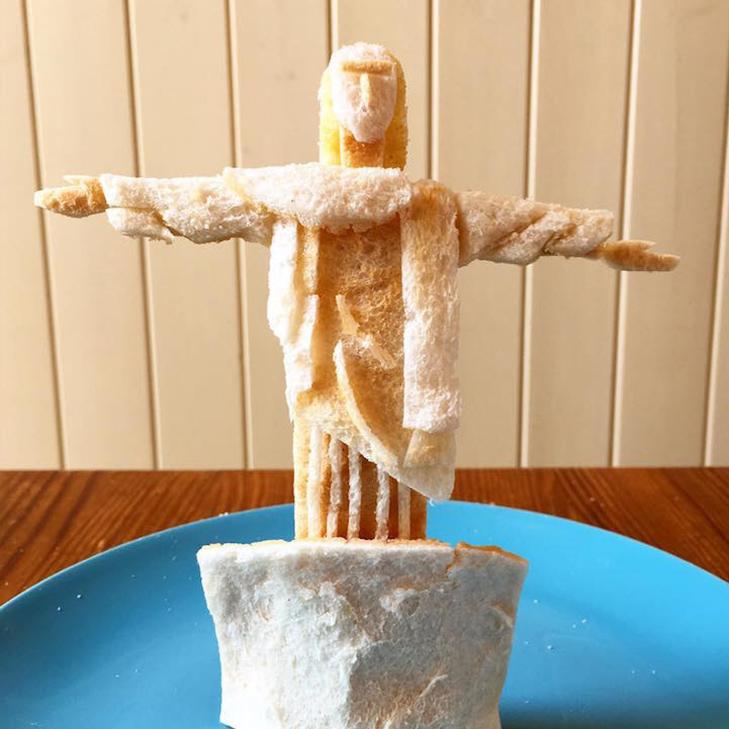 Неймовірні скульптури з тостів, які батько створює для хворої дочки - фото 1