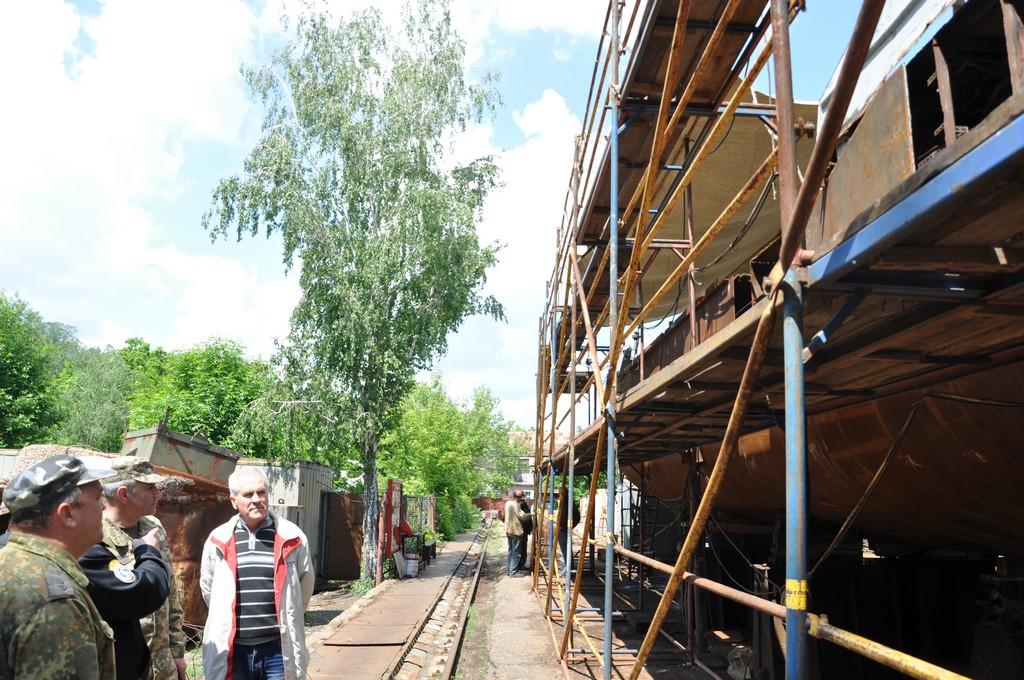 Командувач ВМС залишився незадоволеними темпами ремонту катеру на миколаївському заводу