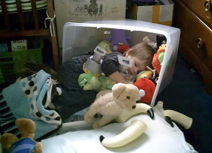 35 кумедних доказів того, що діти можуть заснути де завгодно - фото 25