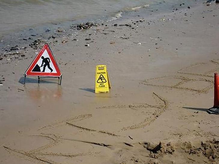 10 найдивніших пляжних знаків - фото 10